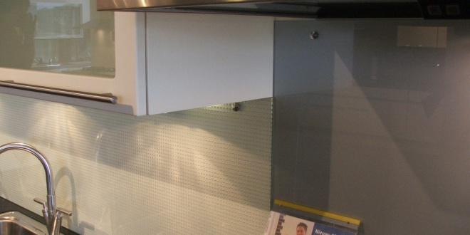 Keuken achterwand kleur for Keuken met glas