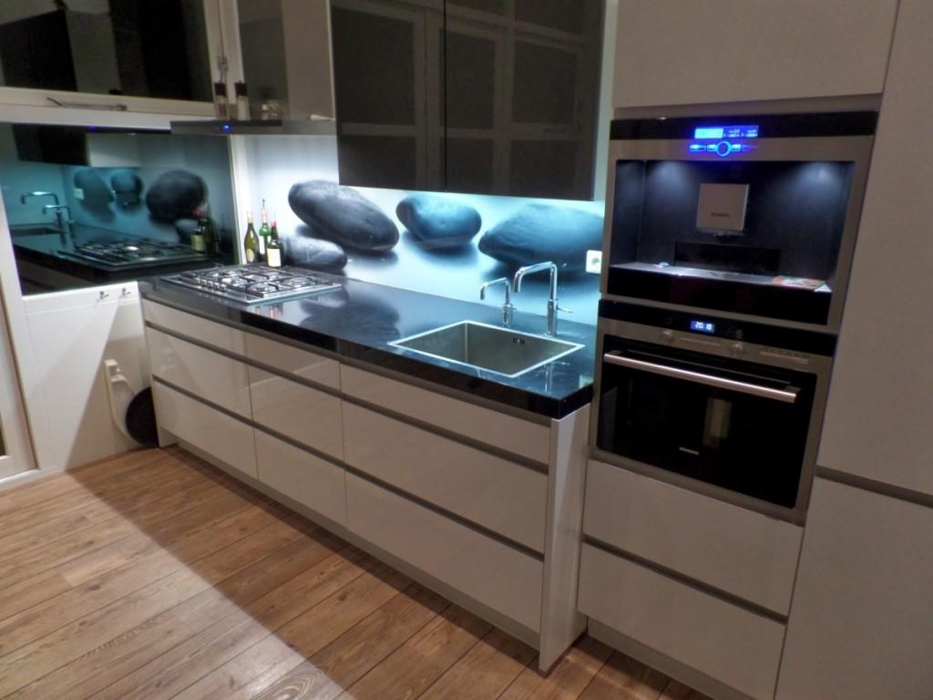 Keukenachterwand van glas D&O Franeker
